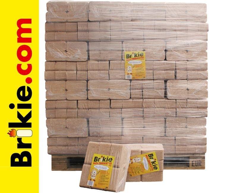 Holzbriketts freigestellt